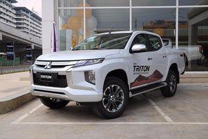 Mitsubishi Triton 4×4 AT giảm tới 140 triệu đồng tại Việt Nam
