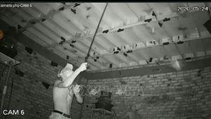 Bắt quả tang hai đối tượng đột nhập, trộm tổ yến ở Bình Phước