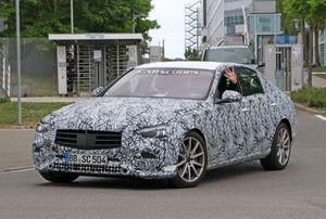 Mercedes-Benz C-Class 2021 lộ diện, thiết kế mới đi kèm trang bị khác hẳn bản cũ