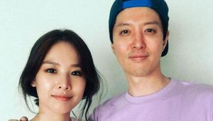 Lee Dong Gun & Jo Yoon Hee 'đường ai nấy đi' sau 3 năm hôn nhân