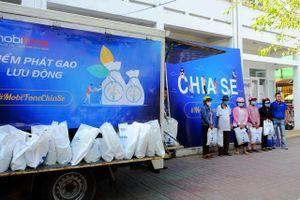 Khánh Hòa: Tặng 200 suất gạo cho người nghèo vượt khó khăn do dịch Covid-19