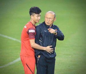 AFC 'mổ xẻ' chiến thuật 3 hậu vệ của thầy Park