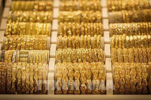 Giá vàng thế giới khép lại tháng Năm với mức tăng 3,4%