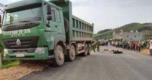 Xe máy đấu đầu xe thi công đường ở Bắc Giang, 1 người chết, 1 nguy kịch