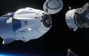 Khoảng khắc lịch sử phi thuyền Crew Dragon kết nối Trạm vũ trụ ISS