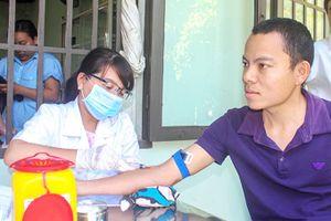 Quan tâm sức khỏe người lao động