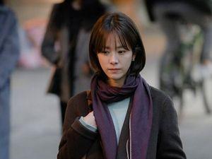 'Baeksang 2020': Chuyện gì xảy ra khi Hyun Bin - Son Ye Jin chạm mặt 'vợ chồng' Han Ji Min - Jung Woo Sung?