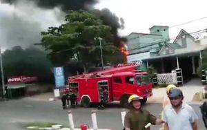 Cháy xe bồn làm ba người thương vong