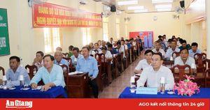 Đại biểu HĐND 3 cấp tiếp xúc cử tri huyện Châu Thành, Phú Tân