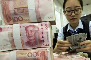 Trung Quốc sắp thiếu USD