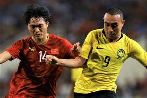 Tuyển Malaysia gặp khó trước ngày quyết đấu Việt Nam