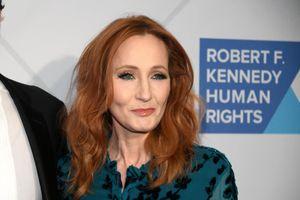 JK Rowling chia sẻ về chuyện bị lạm dụng tình dục, bạo hành