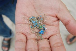 Hơn 1.000 tấn vi nhựa len lỏi trong bầu khí quyển ở Mỹ