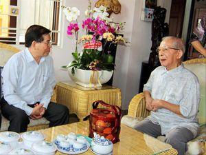 Tiết lộ của nhà văn viết về nhà tình báo huyền thoại Mười Hương