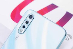 Smartphone 3 camera sau, pin 4.500 mAh, RAM 6 GB giảm giá sốc ở Việt Nam