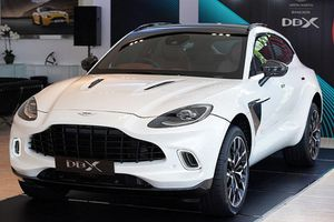 Aston Martin DBX V8 mới, hơn 15 tỷ đồng tại Thái Lan