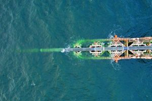 Nord Stream 2 yêu cầu Đan Mạch cho phép tàu rải ống thả neo