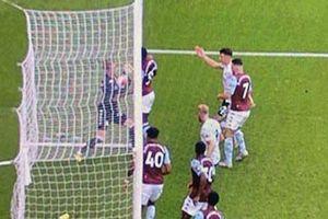 Premier League trở lại với scandal sai sót chưa từng có của goal-line