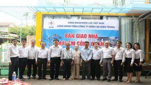 Tổng công ty Điện lực miền Trung, Công ty Điện lực Thừa Thiên Huế bàn giao 'Nhà tình nghĩa' và 'Mái ấm công đoàn'