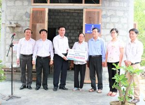 Ngành điện Thừa Thiên Huế bàn giao Nhà tình nghĩa, Mái ấm Công đoàn cho hộ nghèo, đoàn viên hoàn cảnh khó khăn