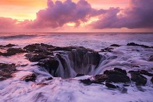 Những hố sâu mang vẻ đẹp ấn tượng, hút khách nhất hành tinh