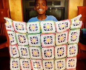 12 tuổi kiếm hàng nghìn đô la từ đan len