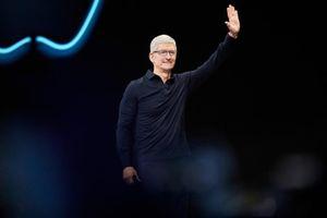 CEO Tim Cook gây bất ngờ tại hội nghị lịch sử của Apple