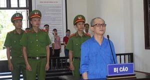 Kẻ tự phong 'Giáo sư hớt tóc' tuyên truyền chống Nhà nước lĩnh 6 năm tù