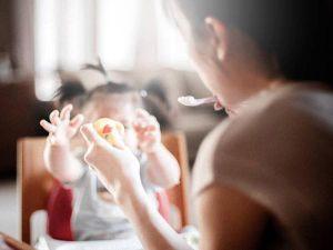 Mẹ ở nhà chăm con: 'Phải nói là phát dại chứ không sung sướng gì'