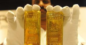 Vượt mốc 1.800USD/ounce, giá vàng cao nhất trong 9 năm