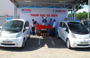 Trạm sạc cho ô tô điện đầu tiên ở Đà Nẵng chạy bằng năng lượng mặt trời