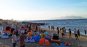 Ba thanh niên chết đuối khi tắm biển