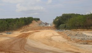 Thủ tướng yêu cầu khởi công 3 dự án cao tốc Bắc - Nam trong tháng 8