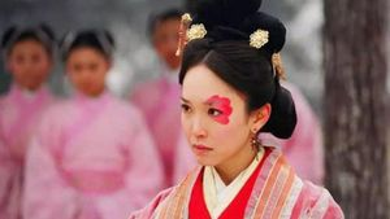 Nhan sắc xấu 'ma chê quỷ hơn', bà hoàng TQ giúp chồng trị quốc
