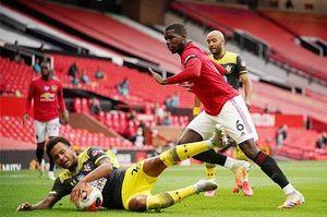 Pogba mắc sai lầm, Shaw chấn thương, công thức chiến thắng của M.U bị phá vỡ