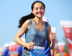 Nữ diễn viên 'Hoa hồng trên ngực trái' đoạt huy chương marathon