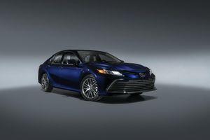 Toyota Camry 2021 có thêm phiên bản XSE Hybird