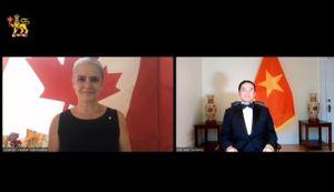 Đại sứ Việt Nam trình thư ủy nhiệm lên toàn quyền Canada qua video