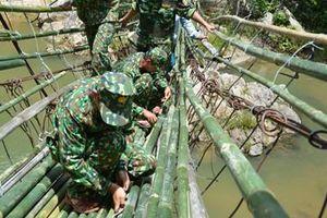 Tình quân dân ở Sơn Bua