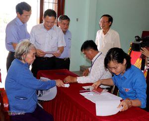 Ban chỉ đạo trung ương về quy chế dân chủ cơ sở làm việc ở Quảng Ngãi