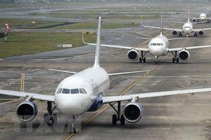 Hãng hàng không giá rẻ Ấn Độ IndiGo cắt giảm 10% nhân viên
