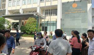 Cháy ở Chi cục thuế TP Vinh, hàng trăm người hốt hoảng tháo chạy