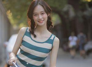 Người đẹp 18 tuổi vụt sáng nhờ đỗ thủ khoa ba ngành đại học Trung Quốc