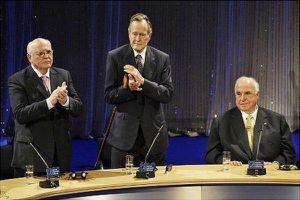 Hé lộ chính sách đối ngoại 'hủy diệt' Liên Xô của Gorbachev