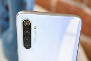 Smartphone chip S712, RAM 8 GB, pin 4.000 mAh giảm giá 'sập sàn' tại Việt Nam