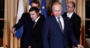 Putin nhận điện thoại từ Tổng thống Ukraine đêm trước ngày Donbass yên tiếng súng