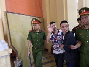 Tâm trạng trái ngược của Văn Kính Dương và Ngọc 'Miu' trước giờ tuyên án
