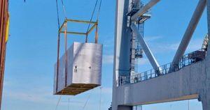 Cảng Quốc tế Cái Mép lập kỷ lục xếp dỡ 22 kiện hàng siêu khủng