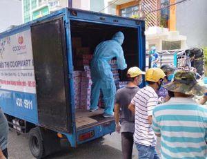 Co.opmart Đà Nẵng vừa bán hàng, vừa 'tiếp tế' các bệnh viện lớn