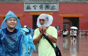 Thế 'gọng kìm kép' của nền kinh tế Trung Quốc
